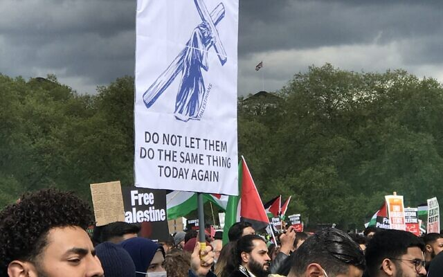 Banner at a recent pro-Palestine rally accusing Jews of being Christ-killers, an age-old antisemitic blood libel which has led to antisemitic attacks over the last 2,000 years.