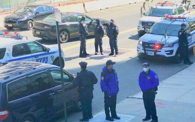 New York police officers respond to an attack at one of four synagogues in the Riverdale section of the Bronx, April 26, 2021. (NYPD via Twitter)