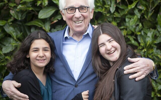 Saul Erner, aged 86, with his granddaughters. Saul travelled to the UK with his mother and sisters at the age of 5 when the Germans invaded Belgium. His father was killed by the Gestapo. (© Sian Bonnell.)