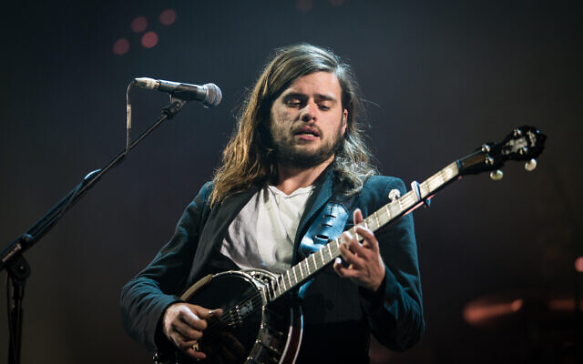 KBC6R7 The British folk rock band Mumford & Sons performs a live concert at Oslo Spektrum. Here musician Winston Marshall on banjo is seen live on stage. Norway, 10/05 2016.