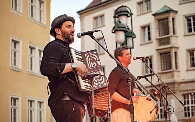 Daniel Kahn, left, and Christian Dawid at Marktplatz Weimar at last year's event
