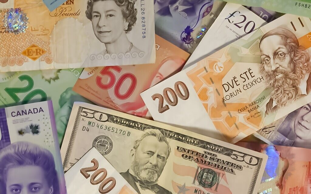 Foreign currency (Photo by John McArthur on Unsplash)