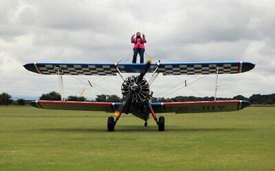 Elana Overs takes to the air!