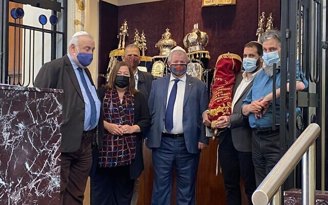 SNP leaders at the Giffnock & Newlands Synagogue.