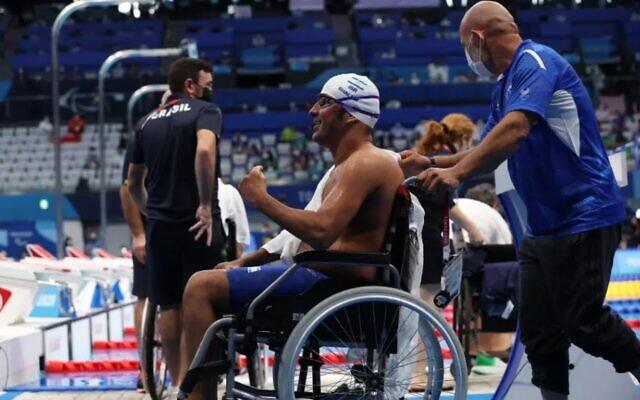 Iyad Shalabi of Israel after winning gold (Photo: Reuters)