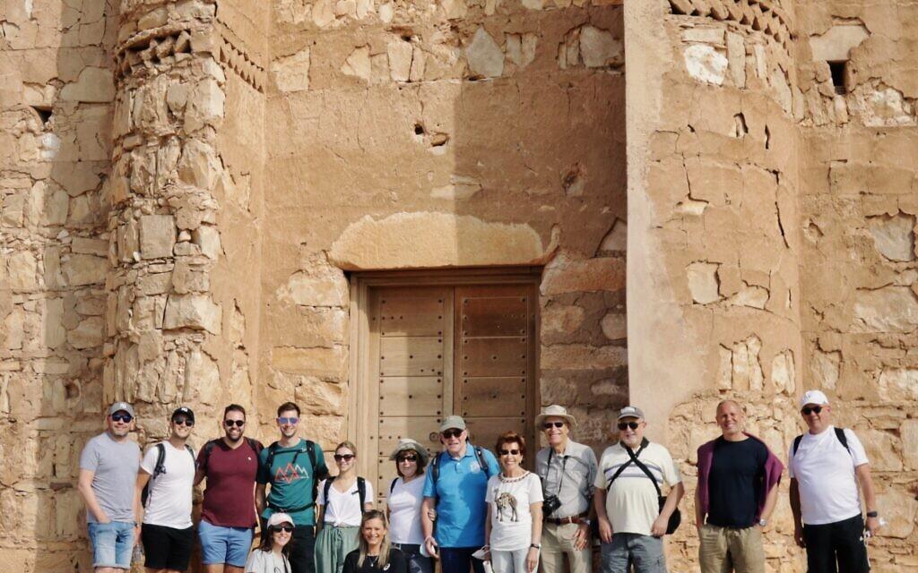 The Jordan 360 trekkers in front of Qasr Kharanah