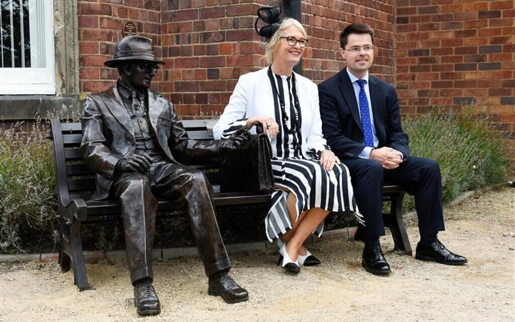 Brokenshire unveiling a statue of Frank Foley