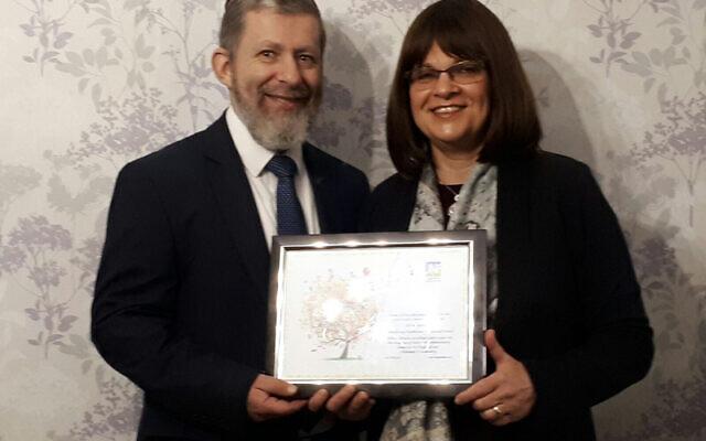 Rabbi Baruch Davis and Rebbetzen Nechama Davis in 2017, celebrating 20 years of service at the synagogue (Image: United Synagogue)