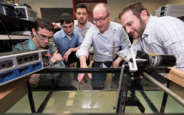 Teaneck student in nanoparticle research group at YU | The Jewish