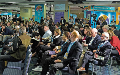 Attendees at the Jewish Federations of North America's General Assembly in Washington, D.C., listen to a panel discussion on politics. (Ron Sachs)