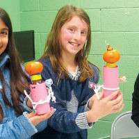 Shomrei Torah students created food gifts to give to their friends for Purim mishloach manot. (Courtesy ST)
