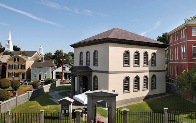 Touro Synagogue, nestled in historic Newport, R.I., is the oldest extant synagogue in the United States.  (John Nordell/The Christian Science Monitor via Getty Images)