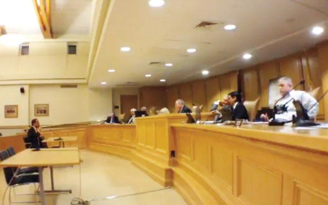 Englewood Councilman Michael Cohen addresses the Mahwah council.