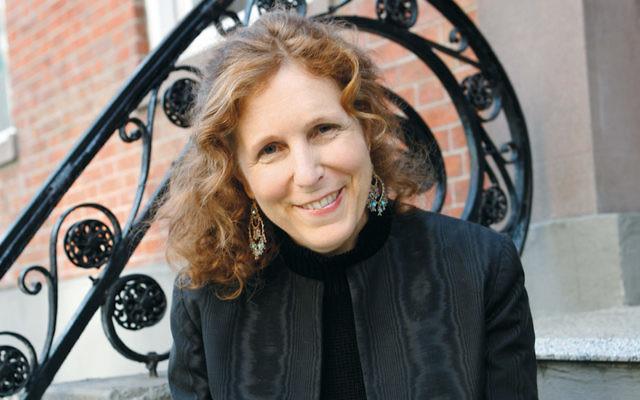 Carolyn Enger (Janette Beckman)