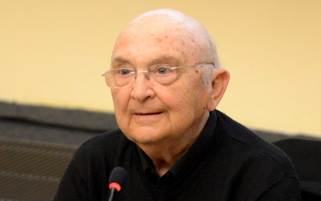 Aharon Appelfeld in 2014. (Jwh/Wikimedia Commons)