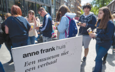Tourists line up outside the Anne Frank house in Amsterdam. (Lex Van Lieshout/AFP/Getty Images)