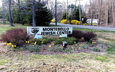 The daffodil memorial at the Montebello Jewish Center.