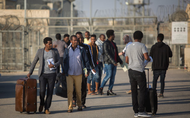 African asylum seekers who had been detained at Saharonim prison in southern Israel shown being released, April 15, 2018. (Hadas Parush/FLASH90)