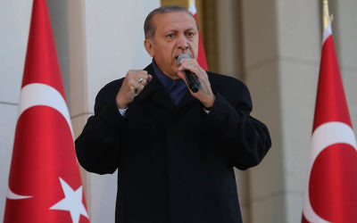 Turkish President Tayyip Erdogan giving a speech at the Presidential Palace in Ankara, April 17, 2017. (Elif Sogut/Getty Images)