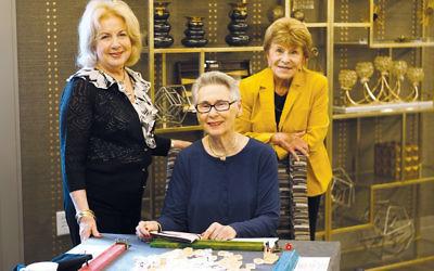 Lynn Goldstein, Doris Golstein, Gail Levy