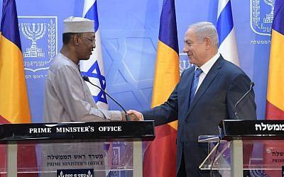 Chad's President Idriss Deby met with Israeli Prime Minister Benjamin Netanyahu in Jerusalem on Nov. 25, 2018. (Amos Ben-Gershom/GPO)