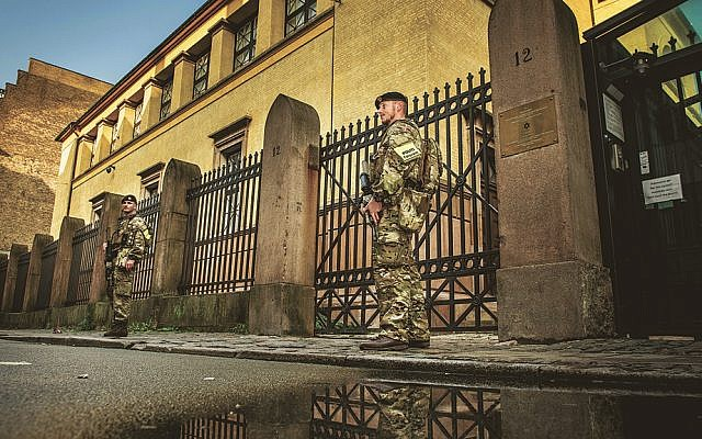 Danish soldiers guard the Jewish Synagogue in Copenhagen, Denmark, on September 29, 2017. (Mads Claus Rasmussen/AFP/Getty Images)