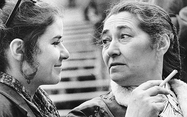 Lien Brilleslijper and her daughter Jalda in Berlin in the 1970s. (Courtesy of the Brilleslijper family)