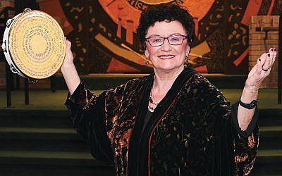 Dora Geld Friedman (Barbara Balkin)
