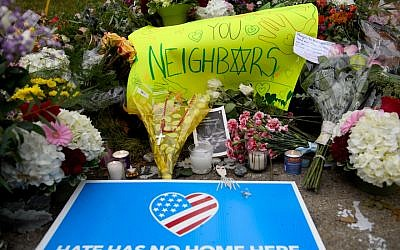 Flowers at a makeshift memorial down the street from the site of the mass shooting in Pittsburgh that killed 11 worshippers at the Tree of Life synagogue on Oct. 28, 2018. (Jeff Swensen/Getty Images)