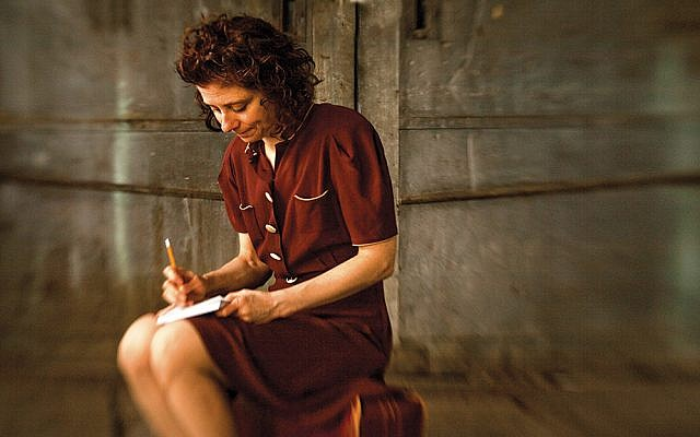 Susan Stein plays Etty Hillesum. (Ricardo Barros)
