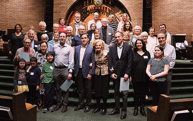 Cantor Ellen Tilem and Rabbi Steven Sirbu stand with the honorees. (Barbara Balkin)