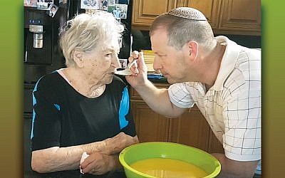 Rabbi Craig Scheff with his grandmother, Sonja Gelerman Neiman.