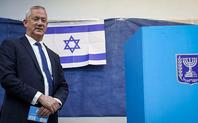 Blue and White party chairman Benny Gantz casts his ballot at a voting station in Rosh HaAyin, during the Knesset Elections, on September 17, 2019. Photo by Noam Revkin Fenton/Flash90