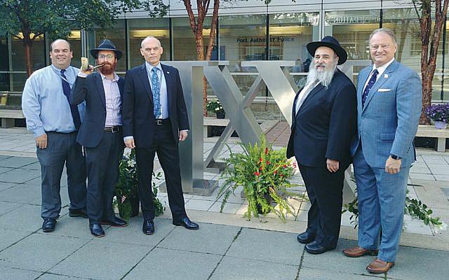 Frank Radics, Rabbi Avremy Kanelsky, Doug Stearns, Rabbi Mordechai Kanelsky, and Ronald Shindel. (Courtesy Bris Avrohom)