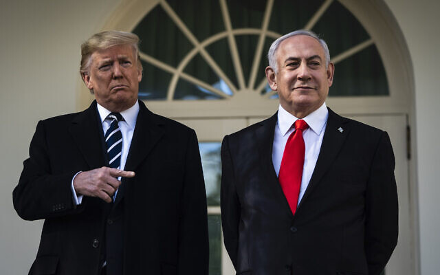 President Donald Trump talks with Israeli Prime Minister Benjamin Netanyahu near the Oval Office of the White House, Jan 27, 2020. (Jabin Botsford/The Washington Post via Getty Images)