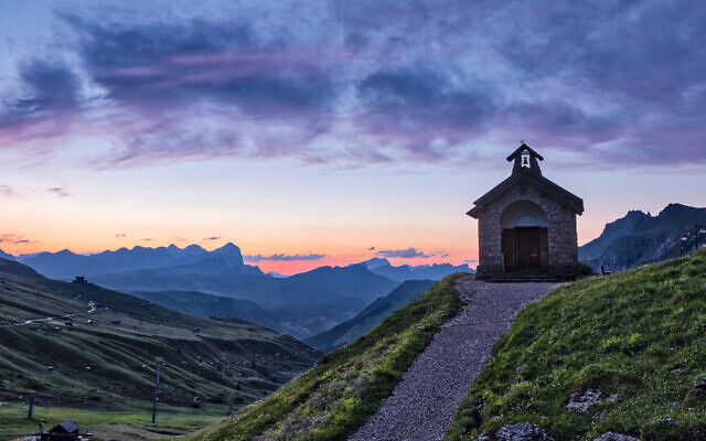 Sunrise in the Canazei area, which hosts a kosher Passover package that is being forced to shut down due to coronavirus concerns. (Frank Bienewald/Getty Images)