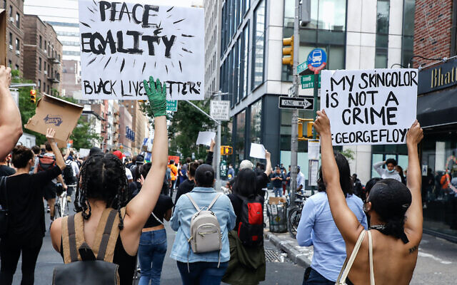 Protesters march in New York in response to the death of George Floyd. (John Lamparski/SOPA Images/LightRocket via Getty Images)