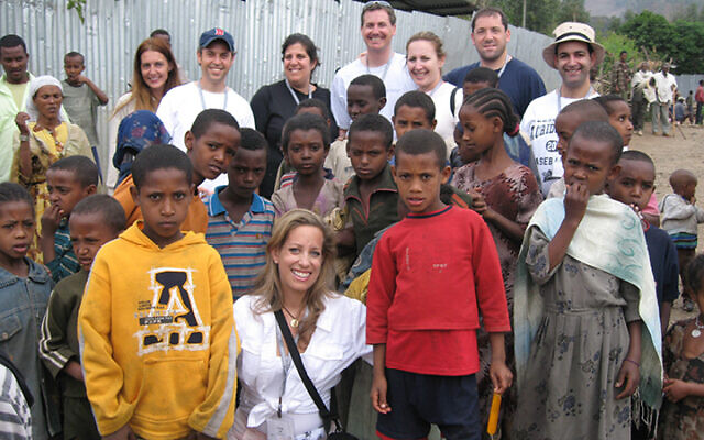 Dana Post Adler (center) on a Jewish Federations of North America mission to Ethiopia in 2007.ENP