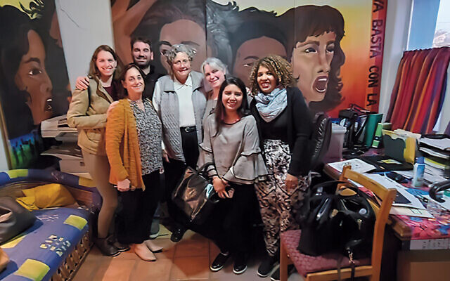 In this photo from Proyecto Faro's trip to Arizona, Anna and Jeff Shalom are in the back row at left, and Rosario Ureña is on the far right.