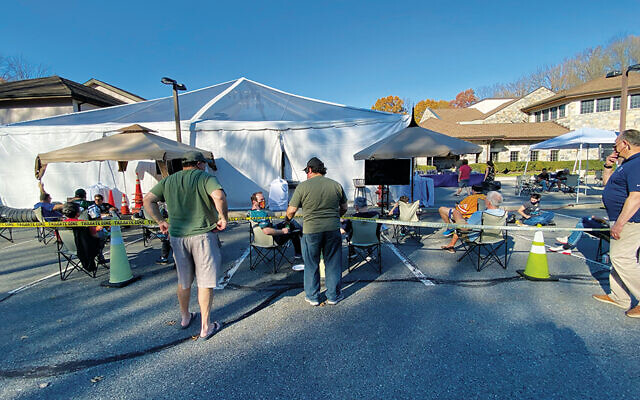 Temple Emanu-El's activities so far have drawn congregants to the shul's parking lot — and to the community. (Temple Emanu-el of Closter)