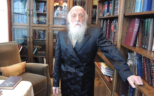Rabbi Dr. Abraham Twerski, in his home in Teaneck, in 2014. (Larry Yudelson)