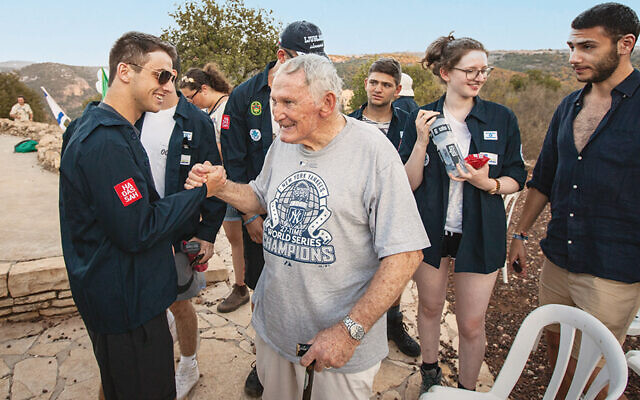 Mel Reisfield worked with students on Young Judaea's Year Course for decades. (Young Judaea)