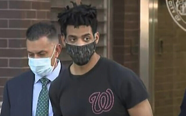 Jordan Burnette, the suspect in a series of synagogue attacks in the Riverdale section of the Bronx, is being charged with burglary as a hate crime. (Screenshot from WCBS-2)