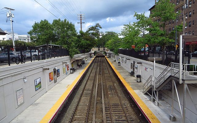 Illustrative photo of Great Neck, Long Island. View of the LIRR station. Wikimedia Commons.
