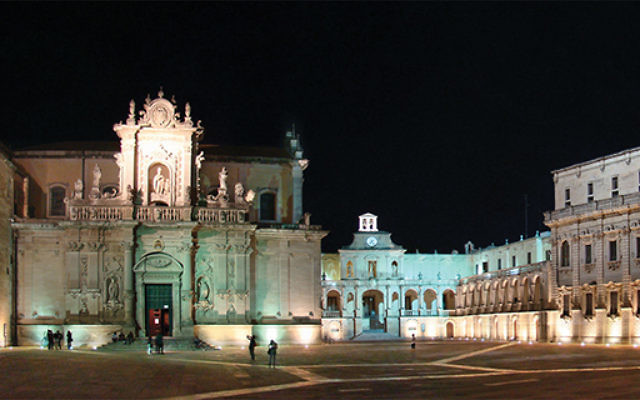 The town square in Lecce, a baroque city that is Apulia's urban jewel. Wikimedia Commons