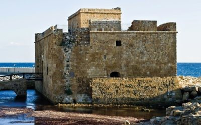 The Paphos Castle, which has stood guard over the half-moon harbor for 1,000 years. Wikimedia Commons