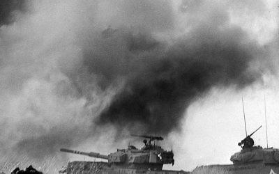 Israeli tanks battle against the Syrian armor on the Golan Heights, during the Yom Kippur war 09 October 1973. DAVID RUBINGER/AFP/Getty Images