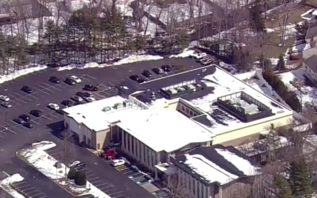 Temple Beth Shalom in Livingston, N.J. (Screenshot from CBS New York)