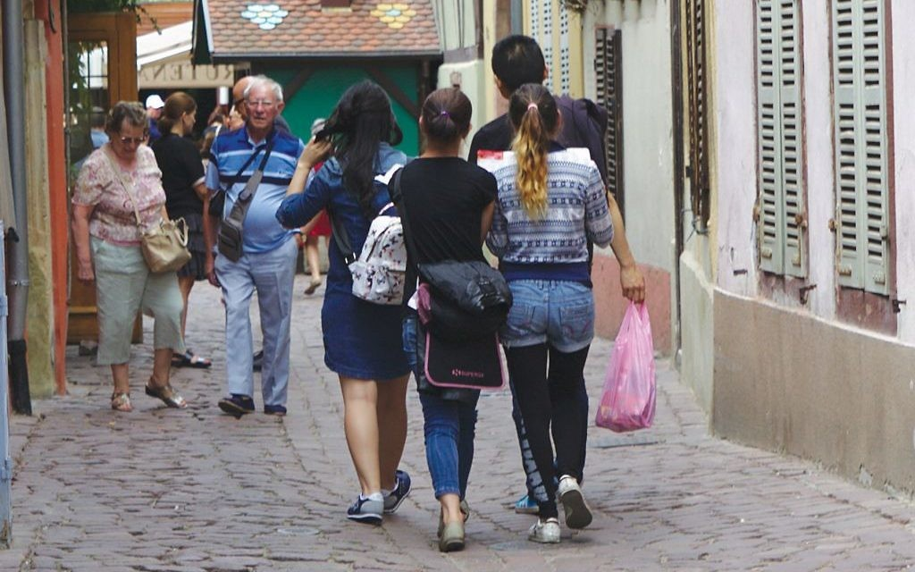 Travel wisely: Tourists in foreign lands are advised to keep their valuables in bags that tuck under the arms. Wikimedia Commons