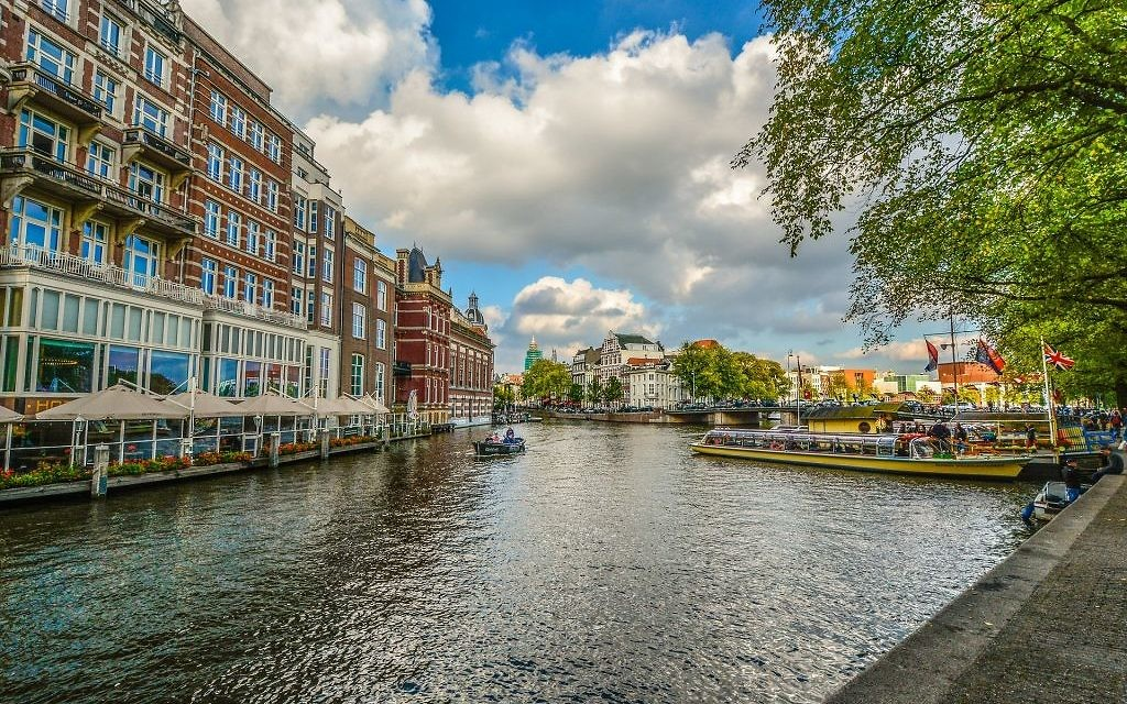 The canals in Amsterdam. Pixabay/CC0 Public Domain/Kirkandmimi